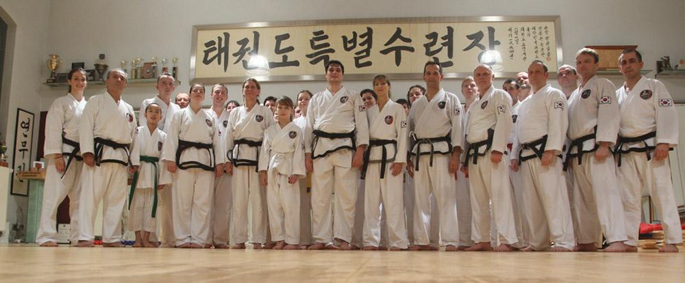 Gruppenfoto beim Taekwon-Do-Silvesterlehrgang in Erlangen