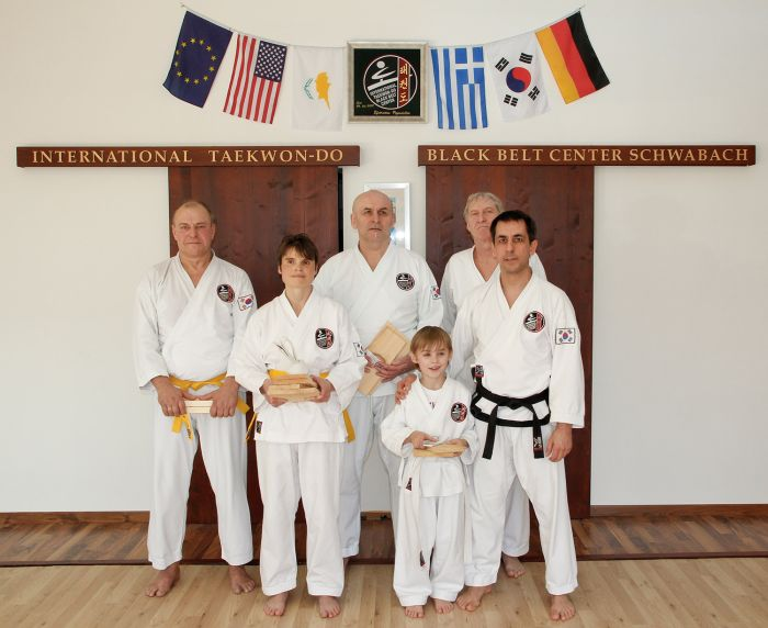 Taekwondo Prüfungen im Int. Taekwon-Do Black Belt Center Schwabach