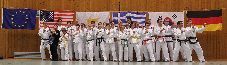 Taekwon-Do Sommertrainingscamp des Int. Taekwondo Black Belt Center e.V. in Pappenheim/Altmühltal, Gruppenfoto - Schwabach, Nürnberg, Erlangen, Bamberg, Lichtenfels, Fürth/Vach